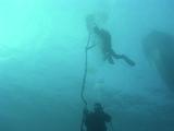 潜降。水面から地形丸見え!