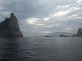 後ろは三宅島