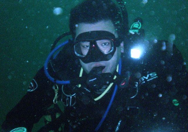 水深30m。