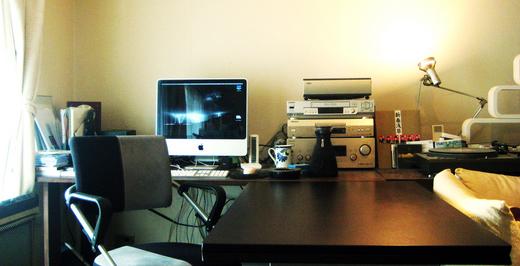 たかぎ鯛吉郎の机