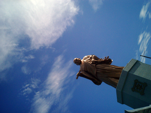 佐渡の大日蓮聖人像