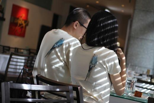 「背中インコ」Tシャツ meets 枡野浩一&峰なゆか