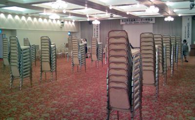 椅子のトーテンポール