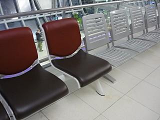 バンコク国際空港の新しいベンチシート