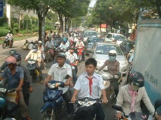 サイゴンバスから見たバイク軍団