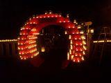 本堂へのくぐり灯