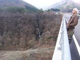合瀬大橋から不動滝を望む
