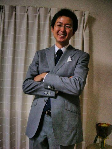 ライトグレー スーツ