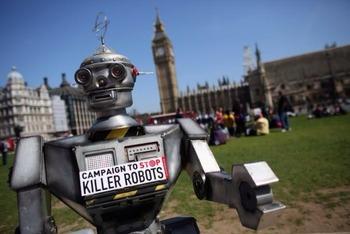 ヒューマン・ライツ・ウォッチが警告する殺人ロボット  殺人ロボットが戦争の主兵器になる前に国際的なルールが必要です