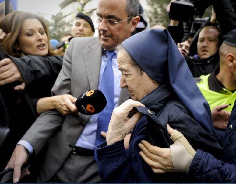 スペイン、フランコ独裁政権の亡...