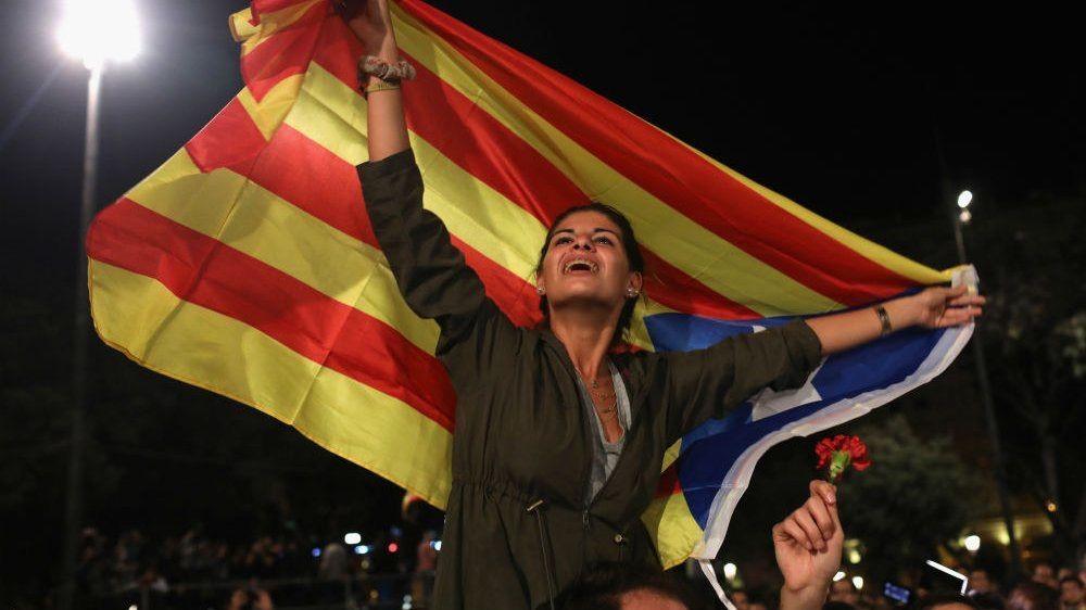 残虐な人権侵害−決して見逃さない                ハニ太郎            カタルーニャ地方が週内に独立宣言へ スペイン政府とカタルーニャの広がる確執  事態は深刻化へ 最悪は非常事態宣言や軍隊の投入か??    コメント
