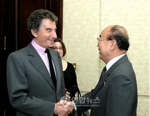 「北が人権交流の提案を受容」訪朝の仏大統領特使