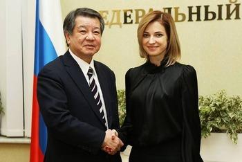 ロシア下院議員ナタリア・ポクロンスカヤ氏がクリミア問題でトランプ大統領をクリミアに招致する