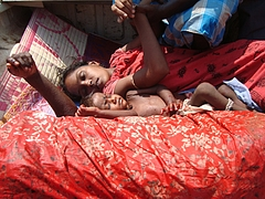 Shell_attaack_at_Mullivaikkal_central_on_7_May_2009_at_8_am,_9_civilians_were_killed_(4)
