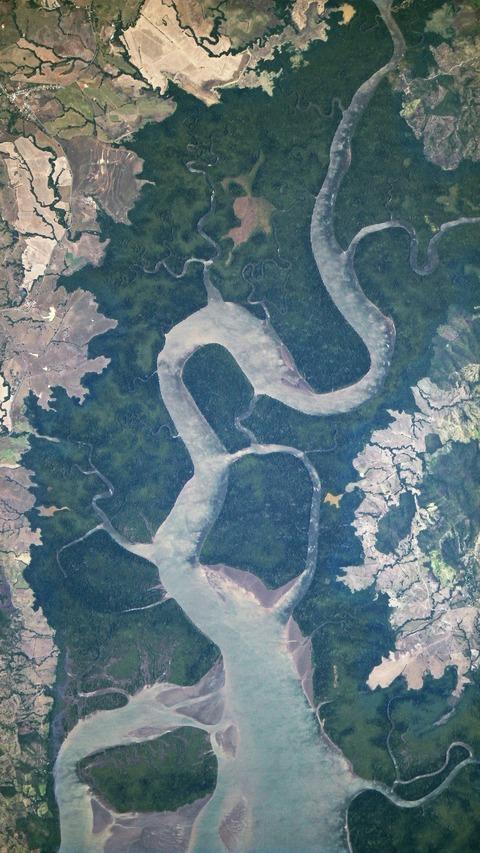 SatellitePhotograph02