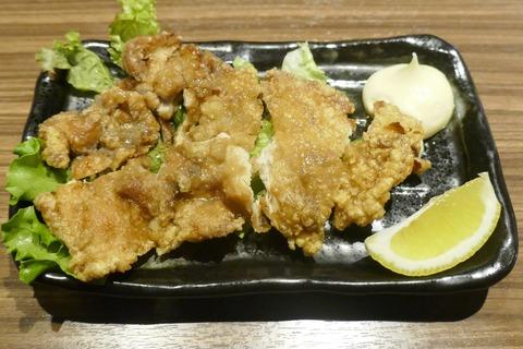 たまに行くならこんな店 神田駅近くの「古民家個室の鶏酒場 ハングリーチキン」で、鶏刺しから焼料理まで和な美味しさの鶏料理の数々を食す!