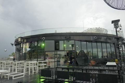 たまに行くならこんな店 エキチカで眺望も良い「Horizons at HEAVEN Bangkok」で、ビールやトロピカルなドリンクをソレスタル・ビーイング(天上人)気分で楽しみました