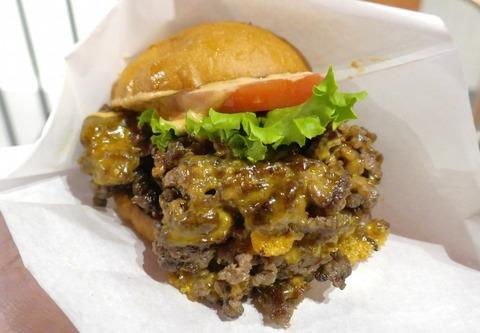 パワフルな美味しさの黒毛和牛パティが絶品なハンバーガーが楽しめる「ヘンリーズ バーガー 秋葉原」まとめページ