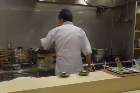 たまに行くならこんな店 以前訪問した際も美味しい料理が楽しめた「旬菜 おぐら家」は、移転してから空間も料理も上々!何か決めたいデート時に使いたいお店です