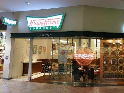 たまに行くならこんな店 甘いドーナッツが大集合!「クリスピー・クリーム・ドーナッツ越谷イオンレイクタウン店」(撮影した写真はお借りしたPowerShot S100を使用)