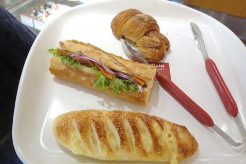 たまに行くならこんな店 麹町駅&半蔵門駅のパンの名店「ル・グルニエ・ア・パン」で、美味なバケットを使ったサンドイッチ、各種惣菜パンなどをまとめて食す!
