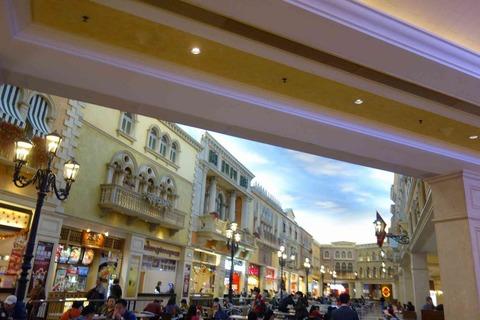 たまに行くならこんな店 The Venetian Macao内フードコートにある海皇粥店は、流石中華圏とあってフードコートのおかゆですら熱々で美味しいです