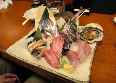 たまに行くならこんな店 お酒は少し高め!魚中心の料理は美味しく安いので下戸でも凄く楽しめる「魚金本店」土曜は夕方でも少人数なら飛び込みでも入れる可能性ありかも?