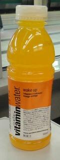 今日の飲み物 グラソー ビタミンウォーター ウェイクアップ(オレンジ&オレンジ)