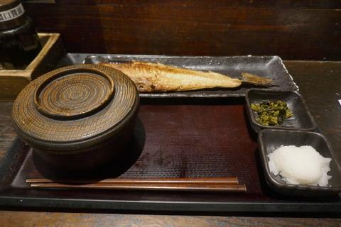 たまに行くならこんな店 オトクに海鮮系の定食が楽しめる「しんぱち食堂 新宿店」で、脂が乗ってウマーな「ほっけ定食」を食す!