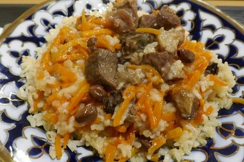 たまに行くならこんな店 名古屋市唯一のウズベキスタン料理店な「タバスム」で、看板メニューのピラフからマンティ、ボルシチまで色々と食す!