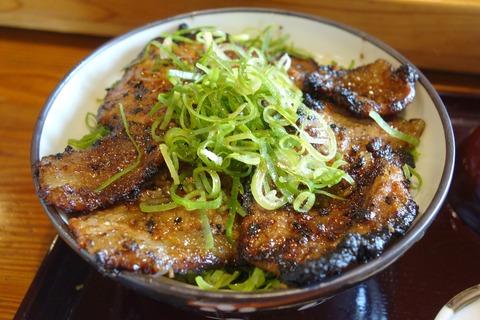 秩父市で美味しい豚みそ丼が楽しめる「野さか」まとめページ