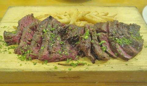 たまに行くならこんな店 店名にチキンとありながらも、全方位肉料理が美味しい「チキンレッグ阿佐ヶ谷店」は、コスパがよくしっかり色々な肉料理が美味しく楽しめました