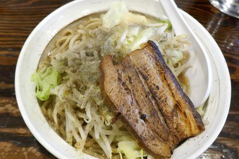 たまに行くならこんな店 名古屋市栄駅近くの「麺屋 武平」で、世にも珍しい煮干し系なウマさ満点な「二郎インスパイヤラーメン」を食す!