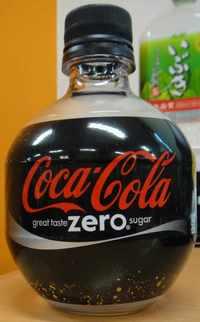 今日の飲み物 コカ・コーラ ゼロ FIFAワールドカップデザイン350mlペットボトル
