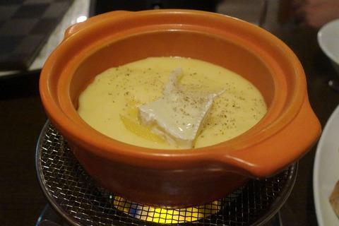 たまに行くならこんな店 町田チーズNO.1かもな「フォンティーナ チーズ ダイニング」は、チーズに塗れたトロットロな料理が色々と楽しめます