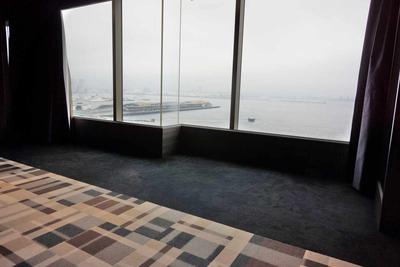 たまに行くならこんな店 ホテルモントレ横浜13Fからの眺めが良い「エスカーレ」