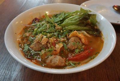 たまに行くならこんな店 ブログサイト「べとまる」管理人でベトナム在住ブロガー「ネルソンさん」が昔住んでいた高円寺には「チョップスティックス」と言う旨いベトナム料理店がある
