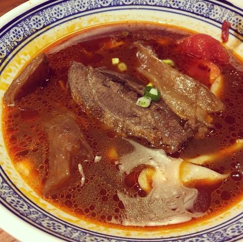 段純貞牛肉麵の牛肉麺