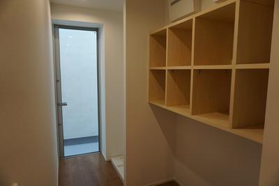 IMG_2573収納と洗濯スペース