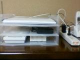 下段左ONU 右VoIPアダプタ 中段無線LANルータ