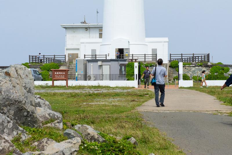5.灯台に向かう私DSC_2721