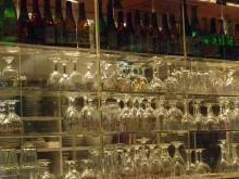 グラスが並ぶ