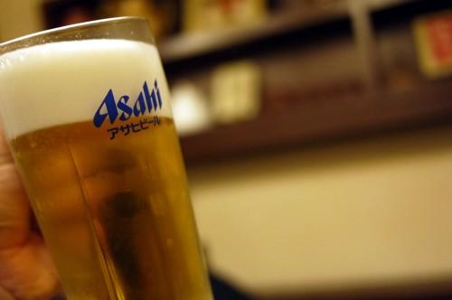 新橋 春夏冬 ビールはアサヒ