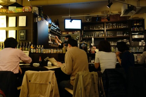 vivo! BEER+DINING BAR 店内
