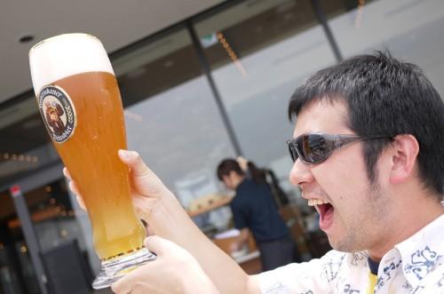 ビールのスカイツリーや~!