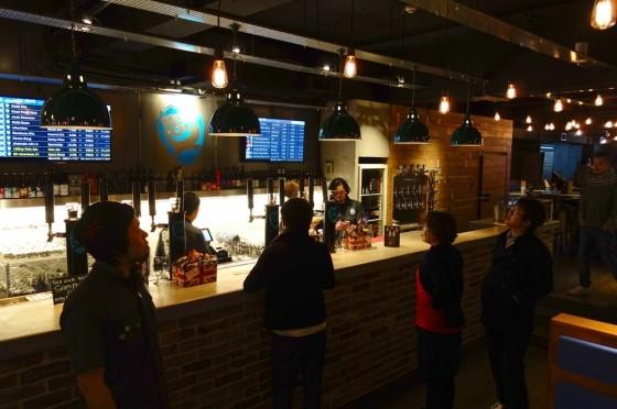 BrewDog Roppongi カウンター