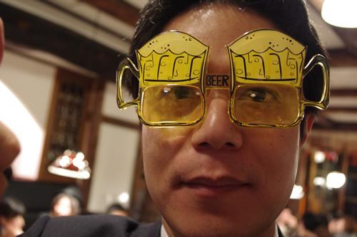 ビールで真顔