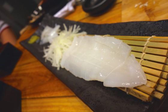 水イカ刺身(750円)