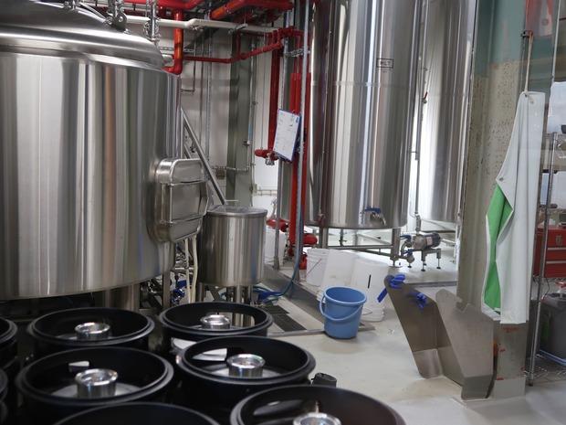 京都醸造の工場内