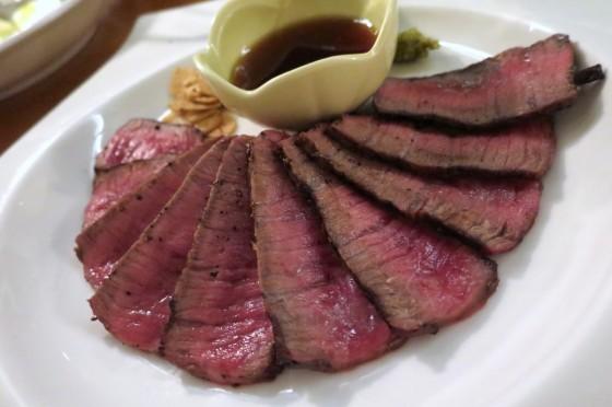 県産山原牛の炙りステーキ